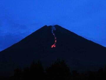 The lava flow on 25 Sep (image: Aravind P.)