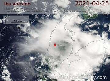 Imagen satelital del volcán Ibu el 26 de abril de 2021