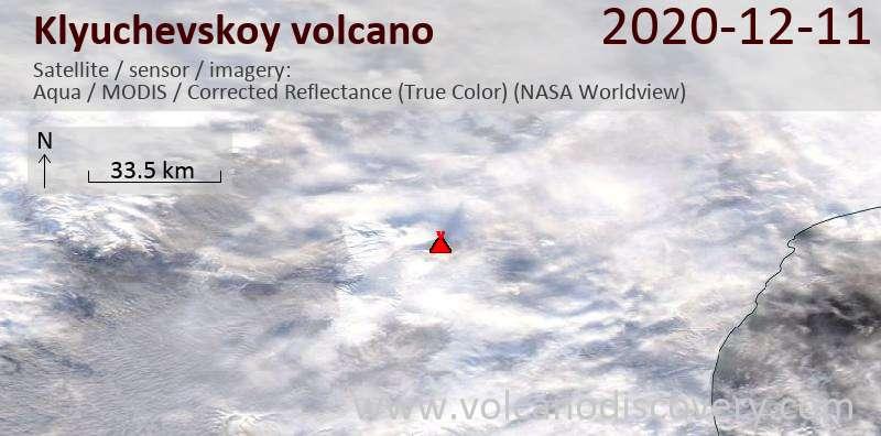 Спутниковое изображение вулкана Klyuchevskoy 12 Dec 2020