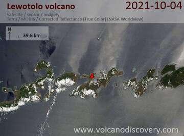 Satellite image of Lewotolo volcano on  4 Oct 2021