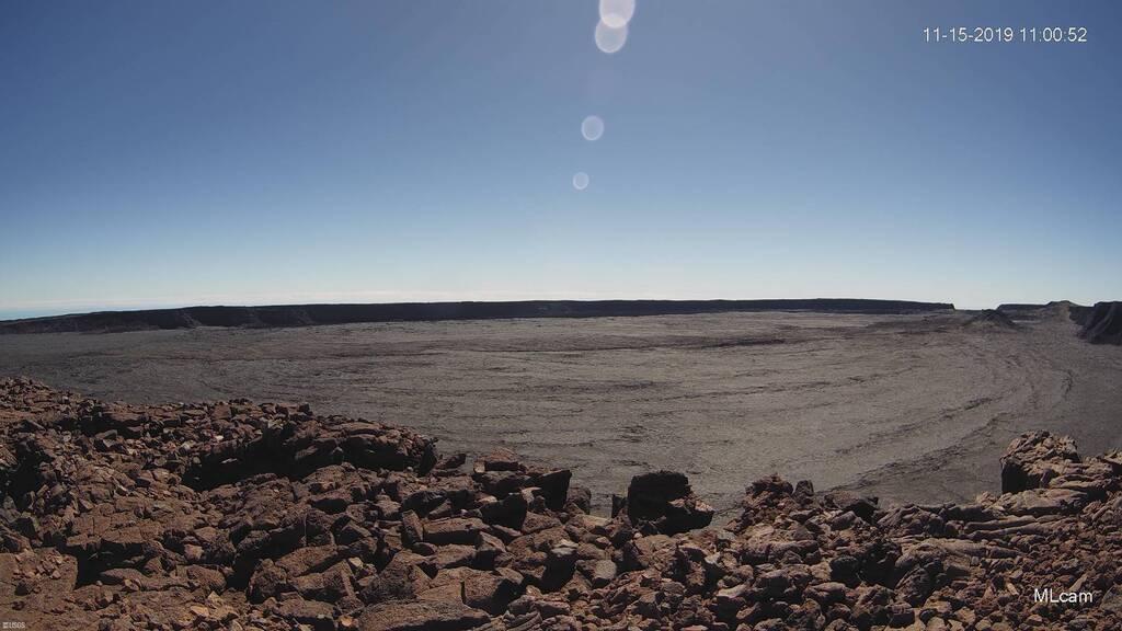 Mauna Loa caldera, image captured from HVO's MLcam (C) U.S. Geological Survey