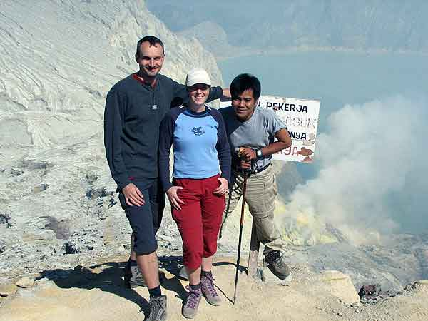 Am Krater des Ijen (Ost-Java)