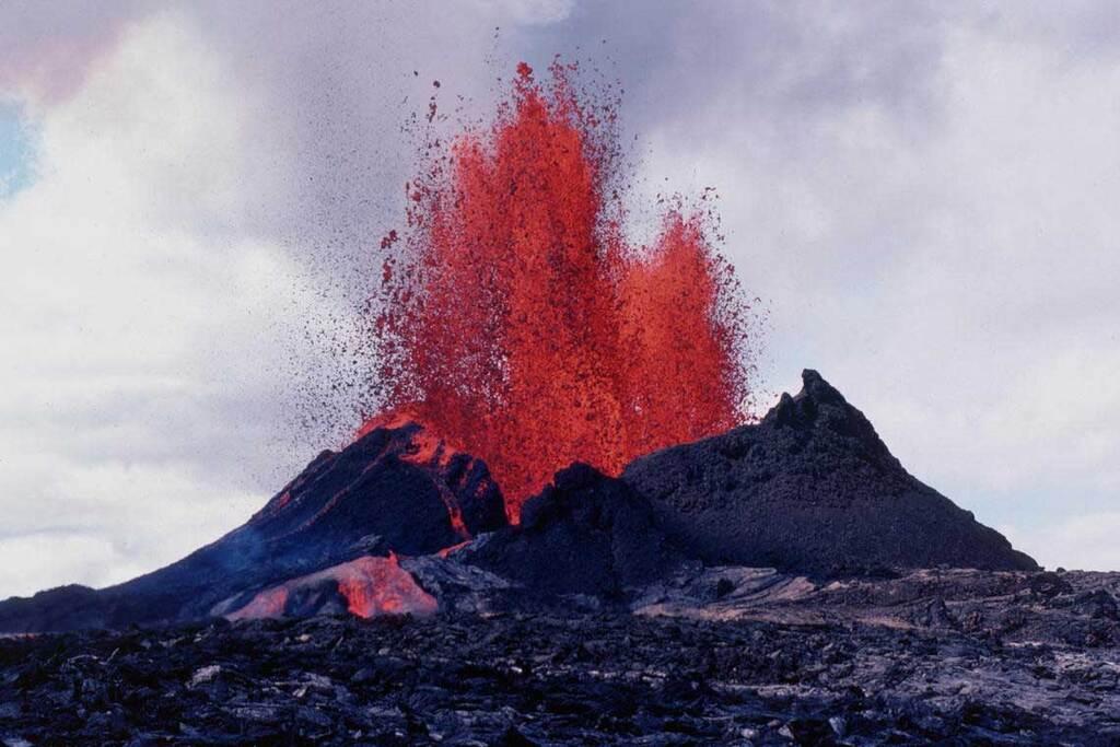 Pu'u O'o erupting in 1983