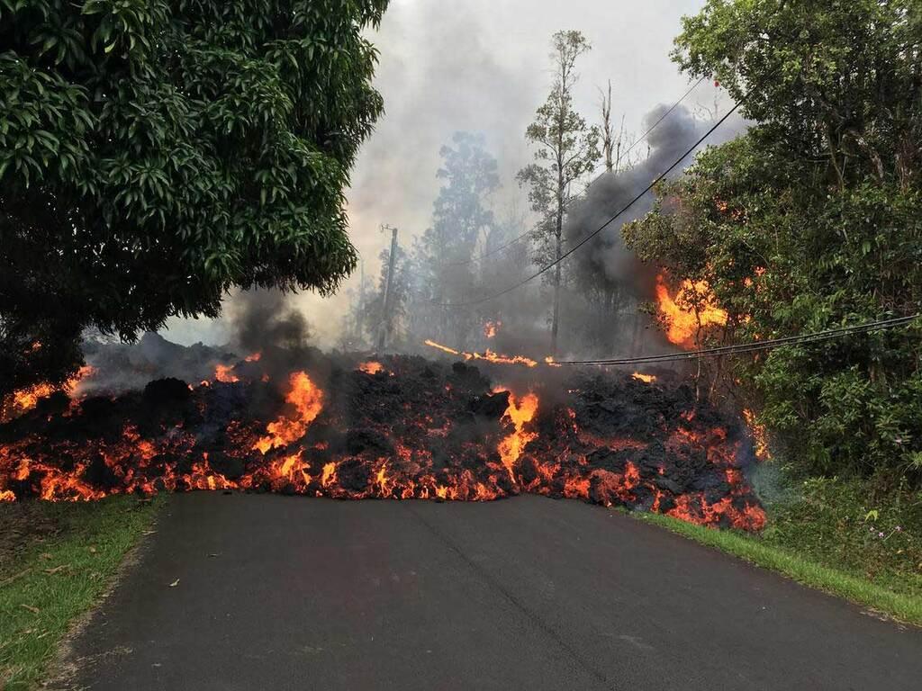 Lava erupting in Leilani estates