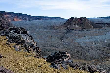 Mauna Loa's caldera