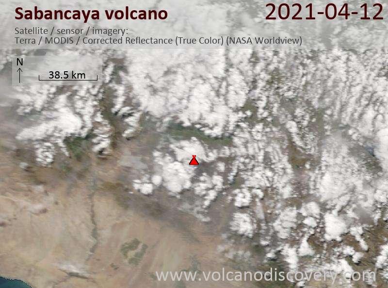Спутниковое изображение вулкана Sabancaya 12 Apr 2021