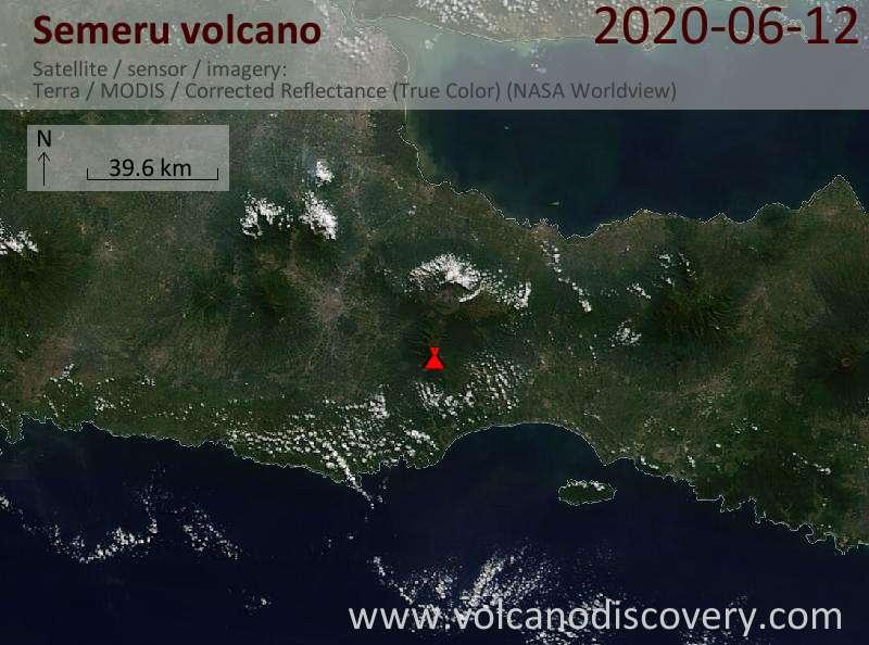 Спутниковое изображение вулкана Semeru 12 Jun 2020