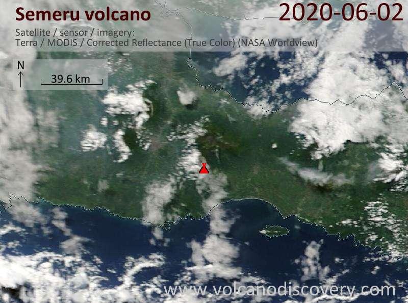 Спутниковое изображение вулкана Semeru  2 Jun 2020