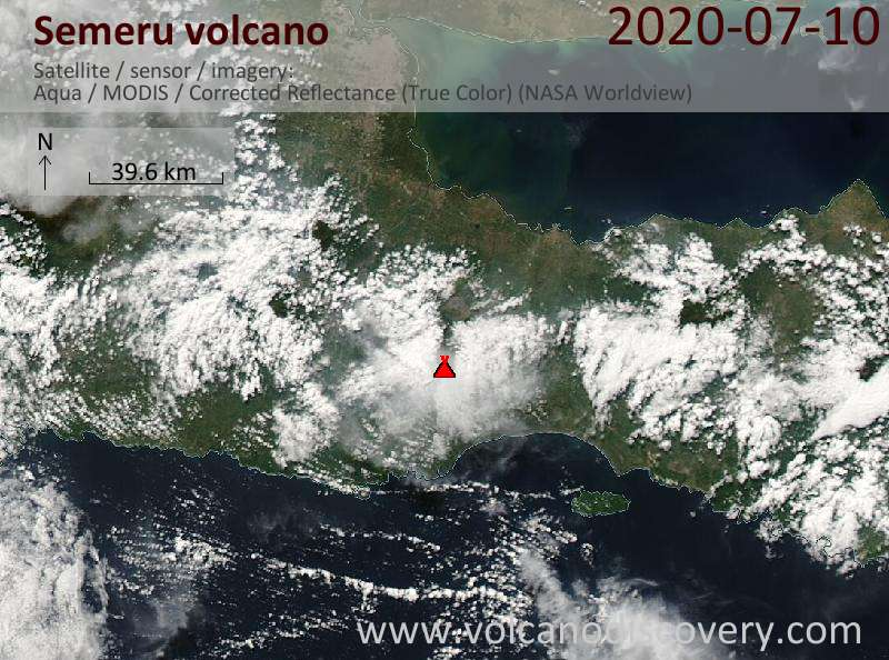 Satellitenbild des Semeru Vulkans am 10 Jul 2020