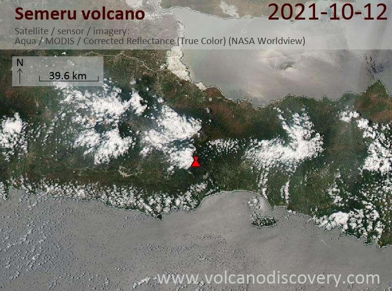 Satellitenbild des Semeru Vulkans am 13 Oct 2021