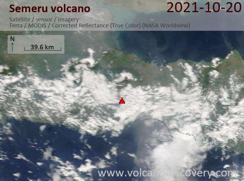 Satellitenbild des Semeru Vulkans am 21 Oct 2021