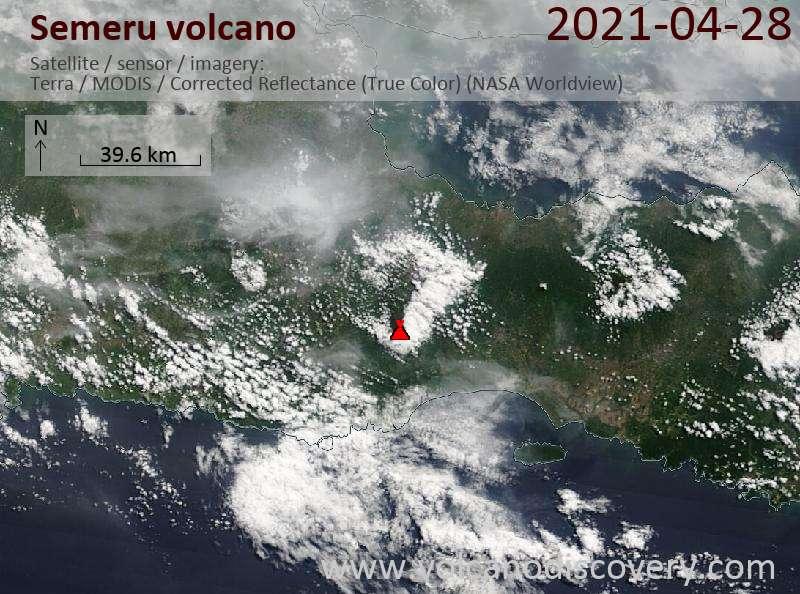 Satellitenbild des Semeru Vulkans am 28 Apr 2021