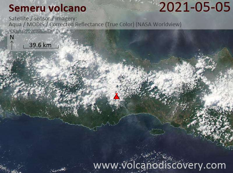 Satellitenbild des Semeru Vulkans am  5 May 2021