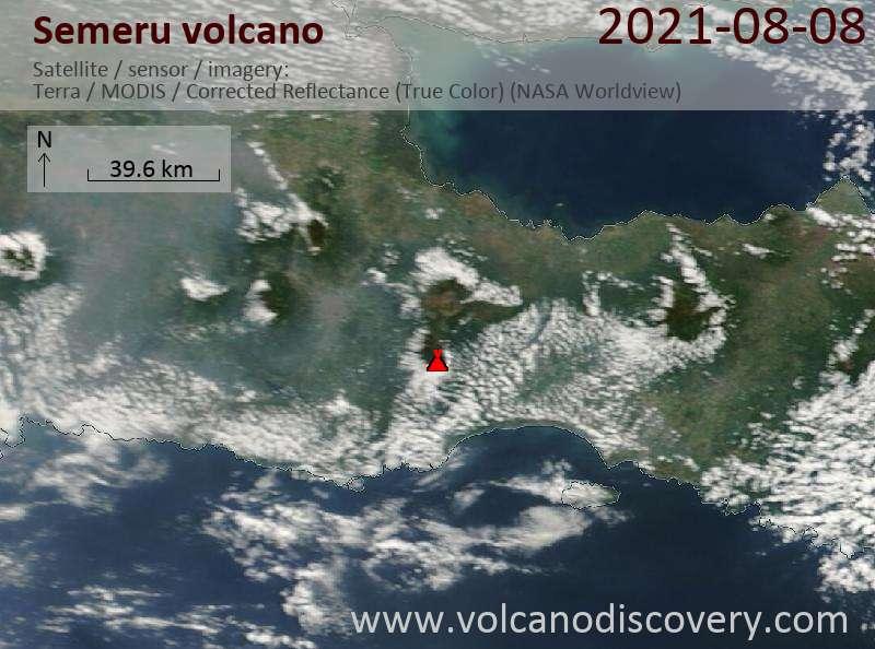 Satellitenbild des Semeru Vulkans am  9 Aug 2021