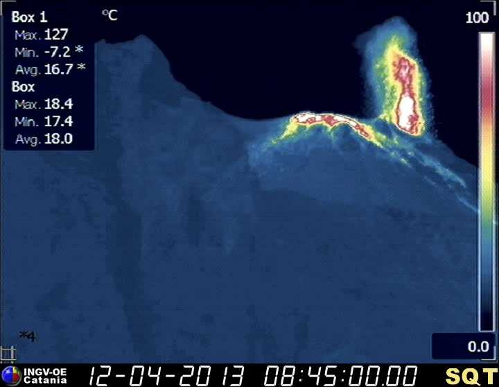 Thermal webcam image of the crater area of Stromboli with an eruption from the NW vent (INGV)