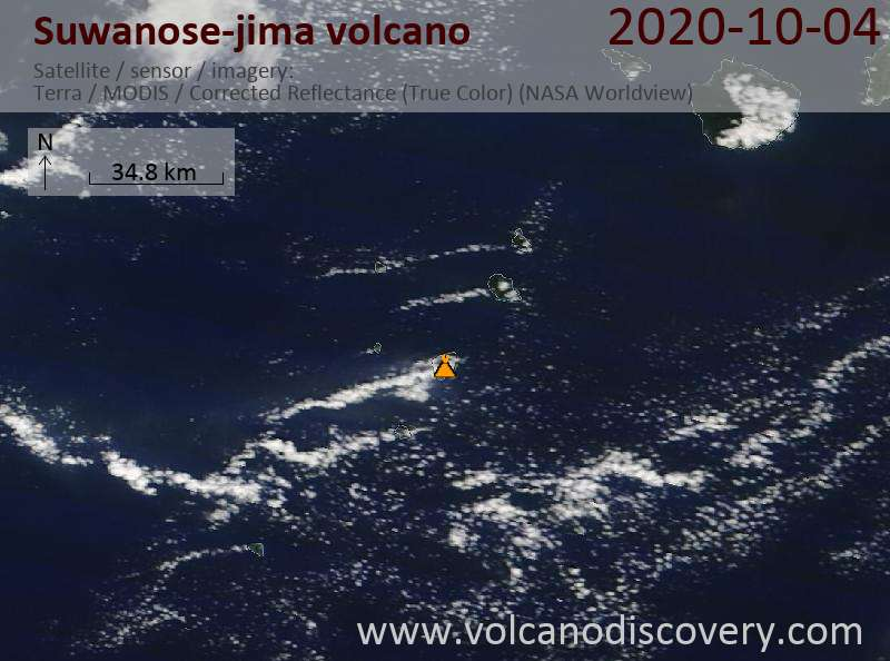 Satellitenbild des Suwanose-jima Vulkans am  4 Oct 2020