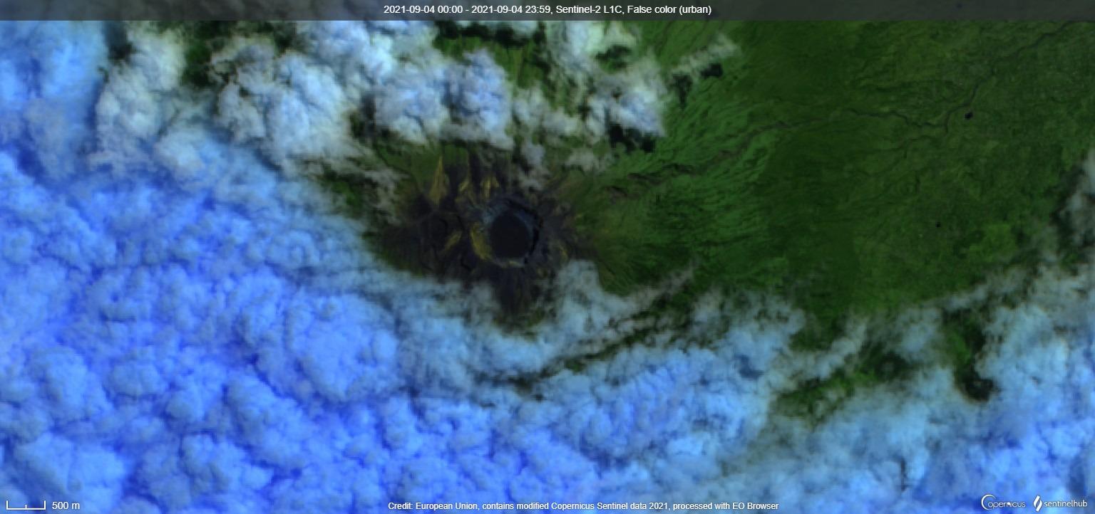 Satellite image of Agung volcano on 4 September (image: Sentinel 2)