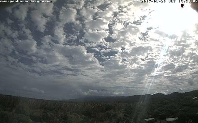 Ambae volcano in Vanuatu on 23 Sep 2017 morning. (photo: Vanuatu Geohazards Department webcam)