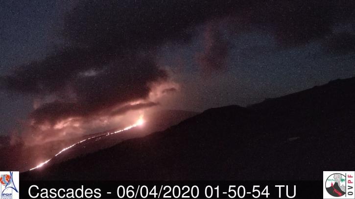 Eruptive fissure at Piton de la Fournaise volcano on 6 April (image: OVPF)