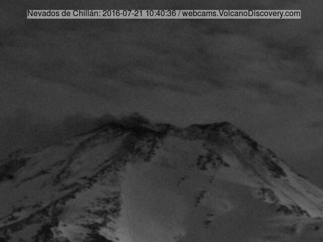 Weak ash emission from Nevados de Chillán this morning