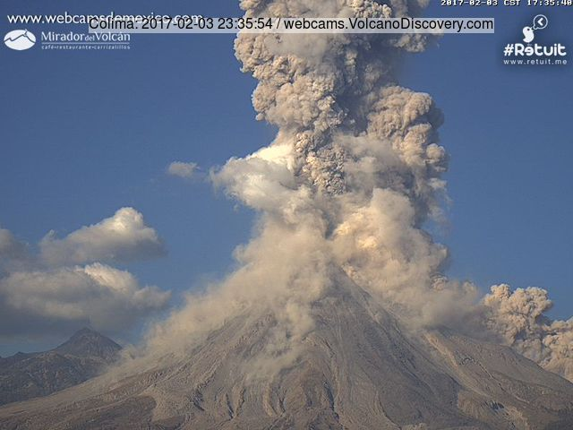 Powerful explosion of Colima Friday afternoon 17:05 local time
