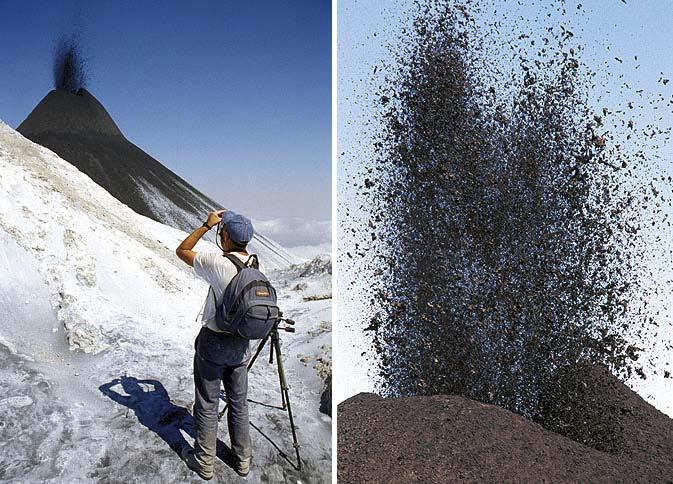 Bei der Beobachtung strombolischer Eruptionen von schwarzer Natronkarbonat-Lava am Lengai-Vulkan