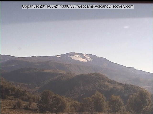 Copahue volcano, quiet at the surface, today (SERNAGEOMIN webcam)