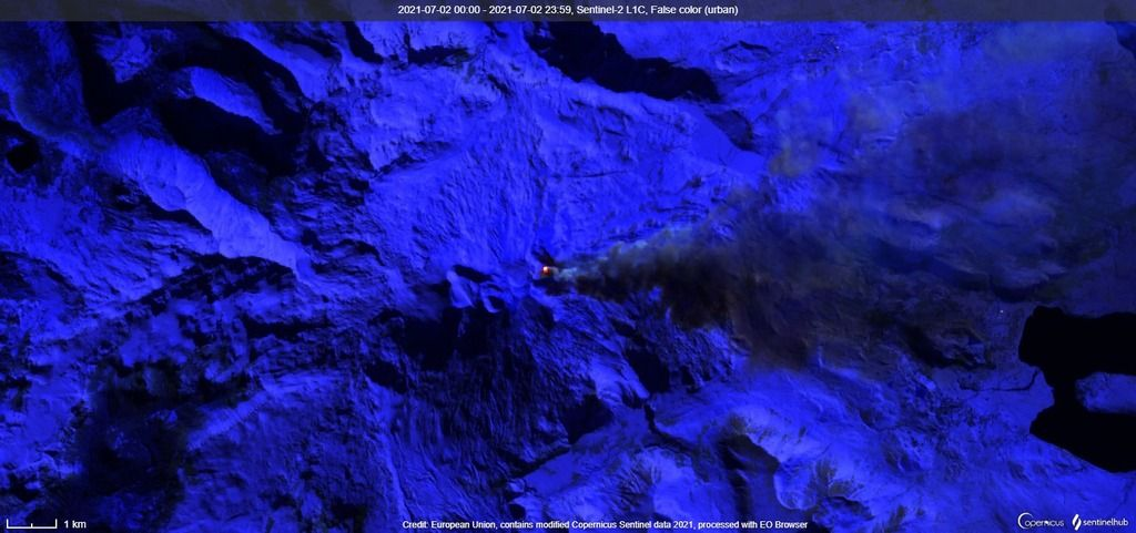Satellite image of steam-gas and ash emissions extended to the SE and E-NE of the volcano on 2 July (image: Sentinel 2)