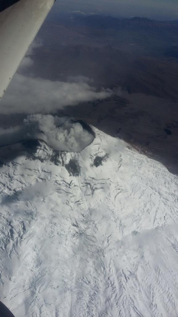 Aerial view of Cotopaxi today (image: IGEPN /  Seguridad Ecuador / twitter)