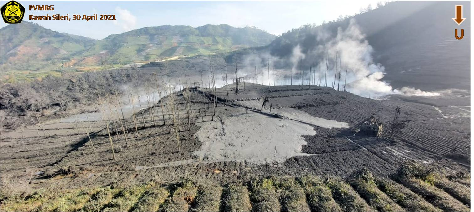 Local landscape after phreatic eruption from yesterday (image: @pvmbg_kesdm/twitter)