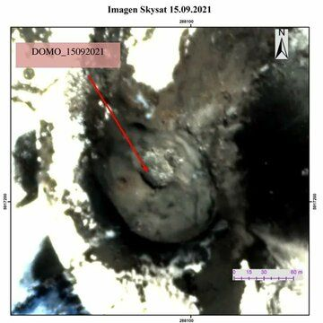 New lava dome at Nicanor crater detected by satellite image from 15 September (image: @volcanologiachl/twitter)