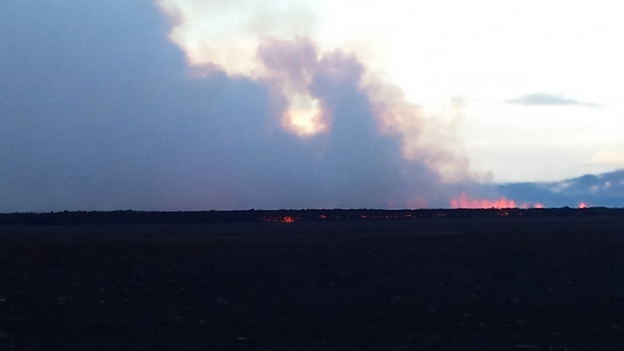 Picture of the eruption this morning (image: Gísli Einarsson / RUV)
