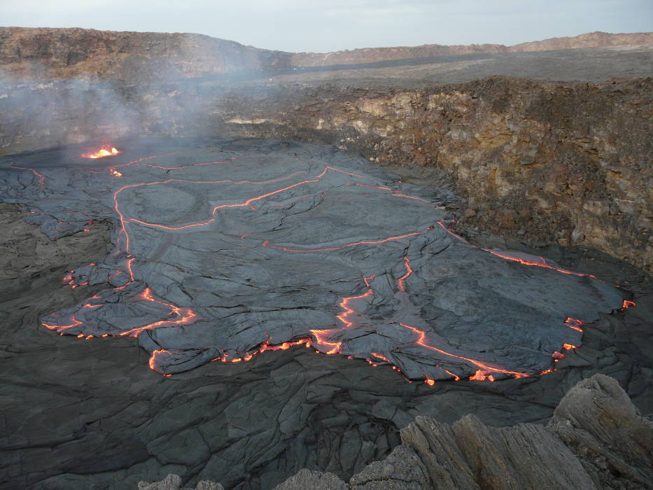 An overflow of the lava lake of Erta Ale (Feb 2010, photo: R. Ringhofer)