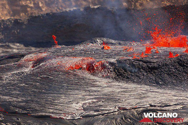 Overflow of Erta Ale's lava lake (Nov 2010 archive image)