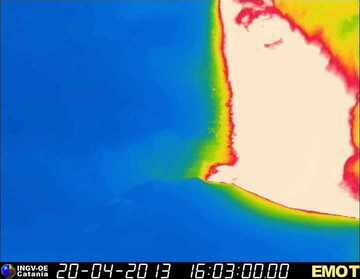 Thermal image of the lava fountains from the New SE crater (INGV Catania)
