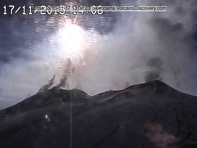 Steaming/degassing from Etna's New SE crater (l) and from the NE crater (r)