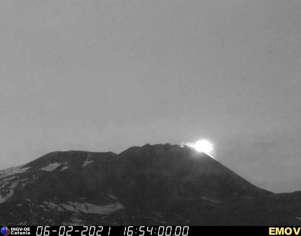 Strombolian activity this evening from the New SE crater (image: INGV webcam)