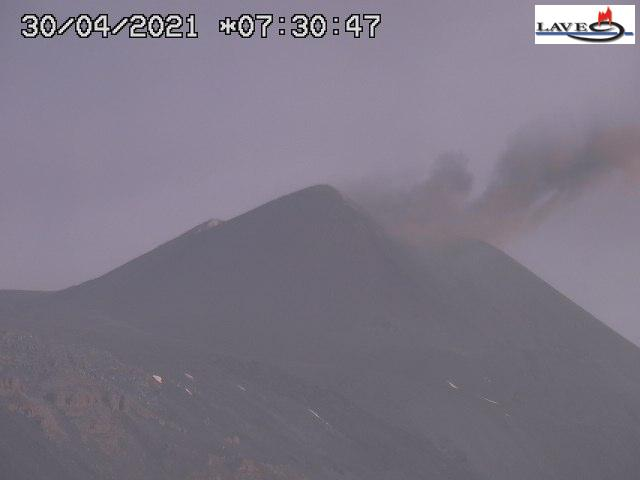 Ash emission from the New SE crater this morning (image: LAVE webcam)