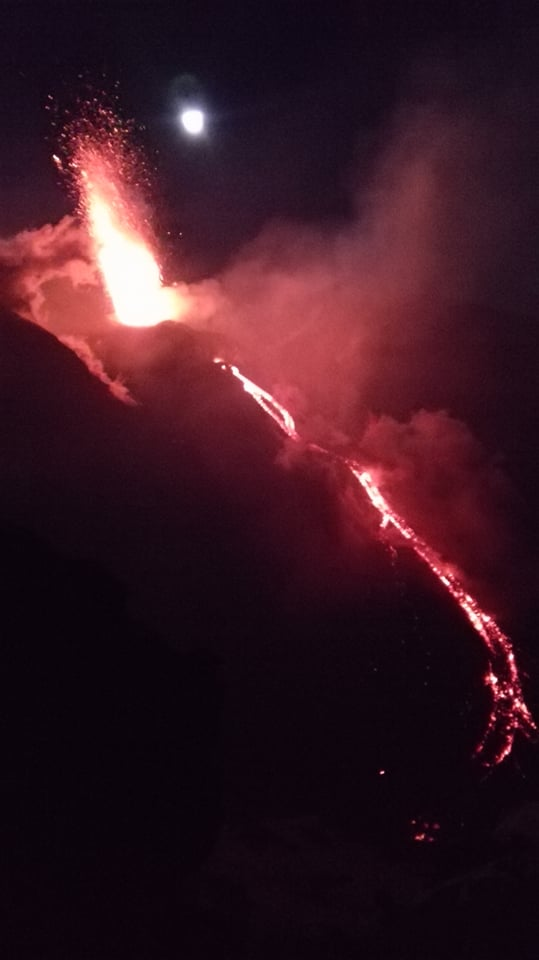 Strombolian activity and intra-crater lava flow from Etna's Voragine (image: M Rietze)