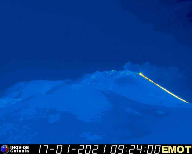 Lava flow from Etna's New SE crater this morning seen on the INGV thermal webcam