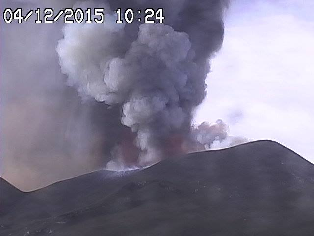 Lava fountain from Etna's Voragine today