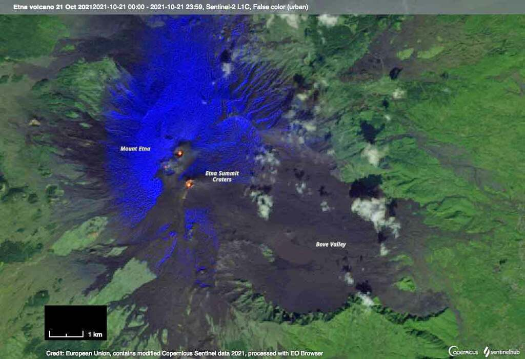 False-color satellite image of Etna volcano on 21 Oct 2021, emphasizing thermal anomalies in the summit craters (image: Sentinel Hub)