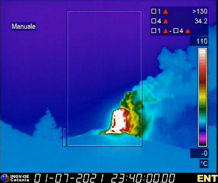 Thermal view of the lava fountain (image: INGVvulcani / facebook)
