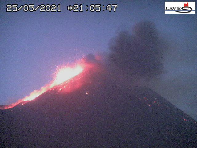 Activity at Etna's New SE crater last night