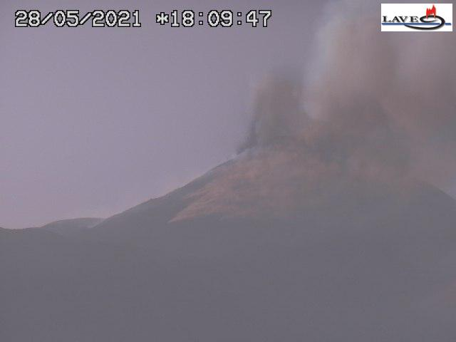 Lava fountain episode at Etna's New SE crater this afternoon