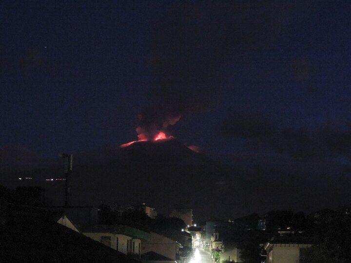 Etna seen from the SE (image: Boris Behncke / facebook)