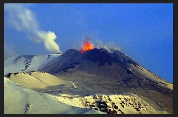Strombolian eruption at Etna's saddle vent this morning (image: Boris Behncke / flickr)