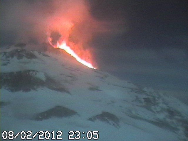 Wide-angle webcam view showing the advance of the lava flow into the Valle del Bove (radiostudio7.it webcam)