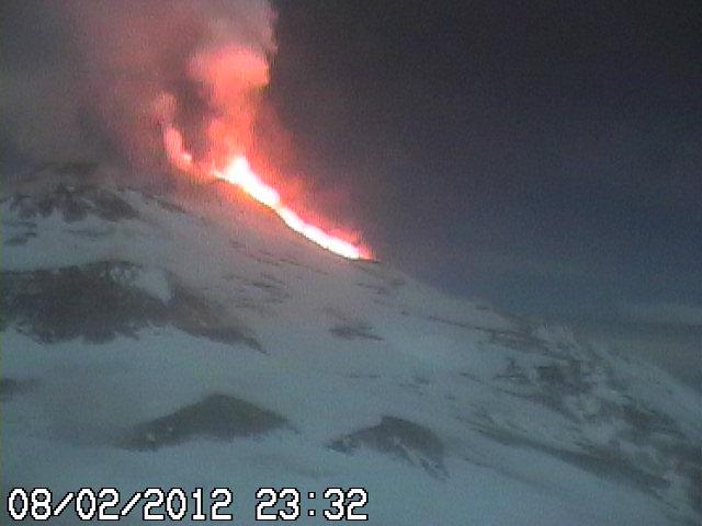 Webcam showing the advancing lava flow