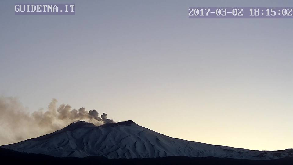 Ash plume from Etna this evening (image: etna-guide webcam)